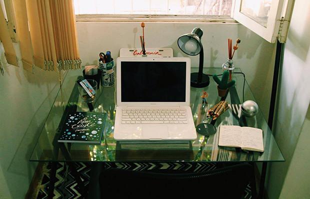 Up no Home Office Leandro Neko mesa escritório decoração
