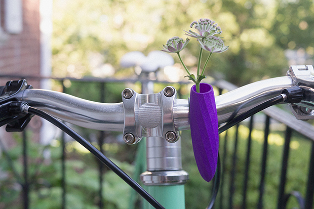 follow-the-colours-vasos-flor-3D-bicicletas-planter-wearable-Colleen-Jordan-03