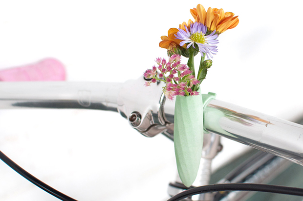 follow-the-colours-vasos-flor-3D-bicicletas-planter-wearable-Colleen-Jordan-07