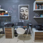 Up no home office: Versatilidade e tinta lousa no escritório criativo do Limaonagua