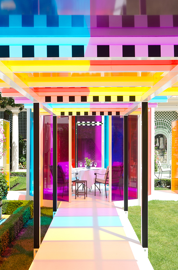 follow-the-colours-daniel-buren-coloree-une-pause-le-bristol-paris-08
