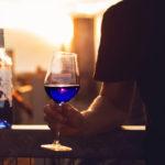 Gik: empresa espanhola lança vinho azul, alternativa aos tradicionais branco, tinto e rosê