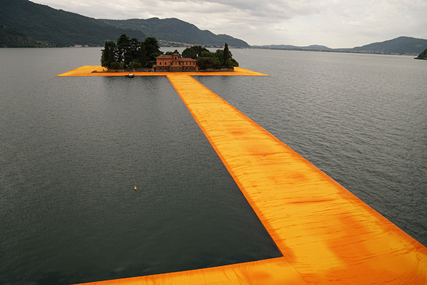 follow-the-colours-instalacao-the-floating-piers-Christo-03