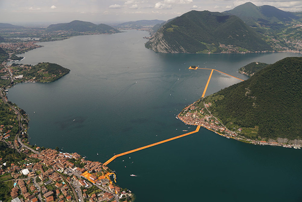 follow-the-colours-instalacao-the-floating-piers-Christo-04a