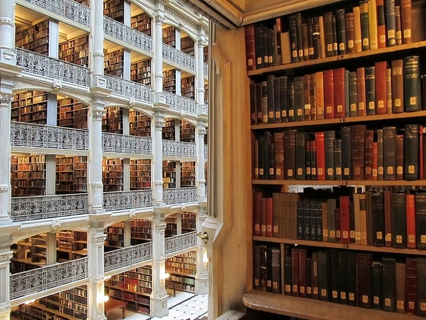 Interior_View_of_the_George_Peabody_Library