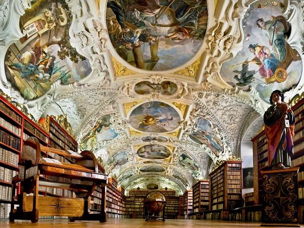 biblioteca-praga-4