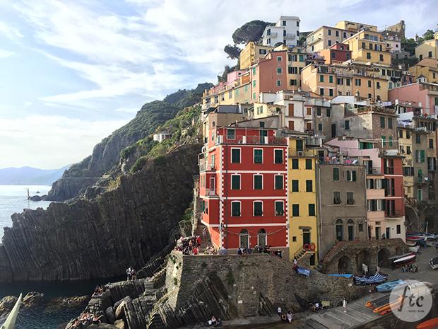 follow-the-colours-cinque-terre-riomaggiore-italia-02