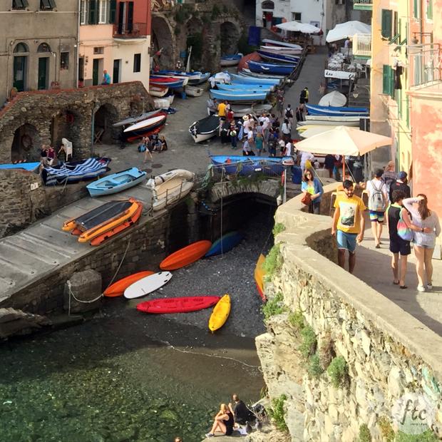 follow-the-colours-cinque-terre-riomaggiore-italia-06