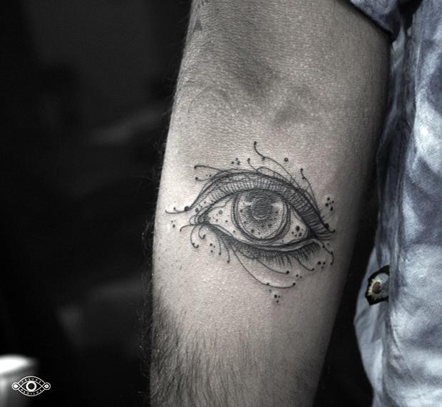 follow-the-colours-felipe-padilha-tatuagem-blackwork-tattoo-estudio-rox-01