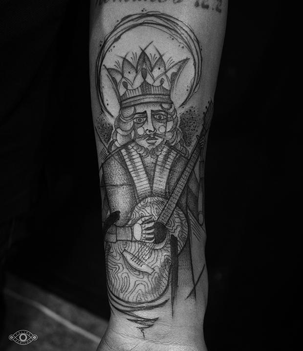 follow-the-colours-felipe-padilha-tatuagem-blackwork-tattoo-estudio-rox-08