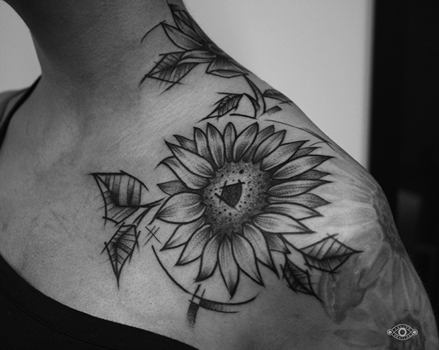 follow-the-colours-felipe-padilha-tatuagem-blackwork-tattoo-estudio-rox-17