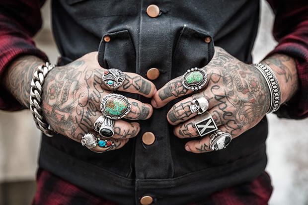 follow-the-colours-tatuagens-ajudam-conseguir-emprego-04