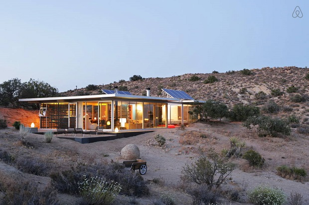 off-grid-ithouse-airbnb-2