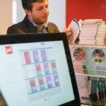 Em Paris, livraria substitui estoque por máquina que imprime obras escolhidas pelos clientes na hora
