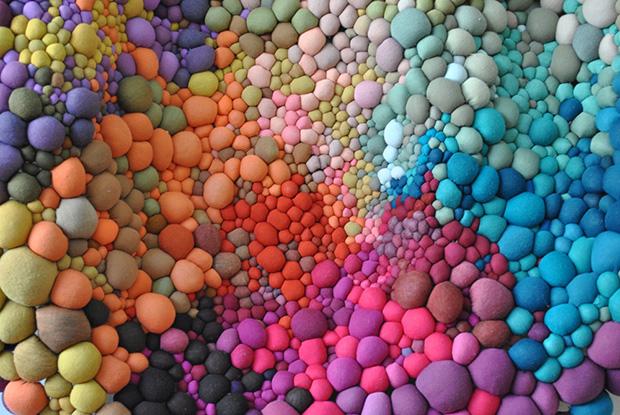 follow-the-colours-arte-bolas-tecido-coloridas-02