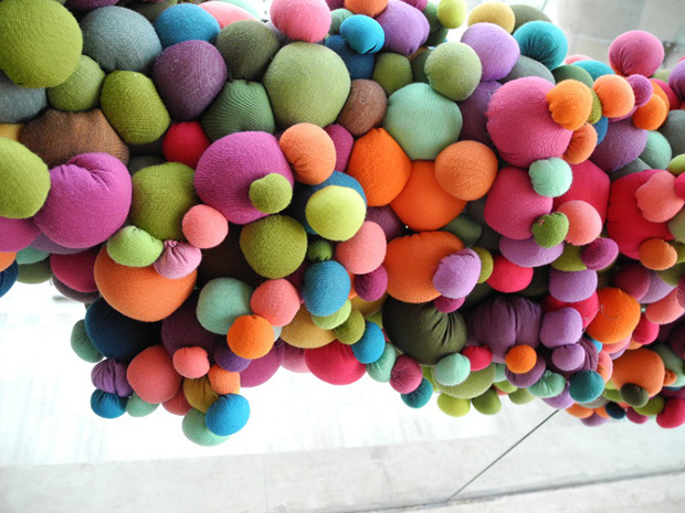 follow-the-colours-arte-bolas-tecido-coloridas-14
