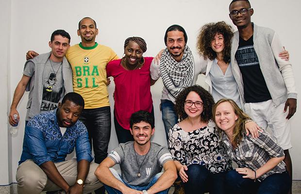 Abraço Cultural professores refugiados curso idiomas