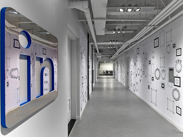 Dê uma volta pelo escritório do LinkedIn em NY, no Empire State Building