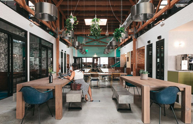 escritórios compartilhados Airbnb WeWork